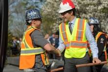 Prime Minister Justin Trudeau with Donovan Dean Hogan of IUBAC Local 7
